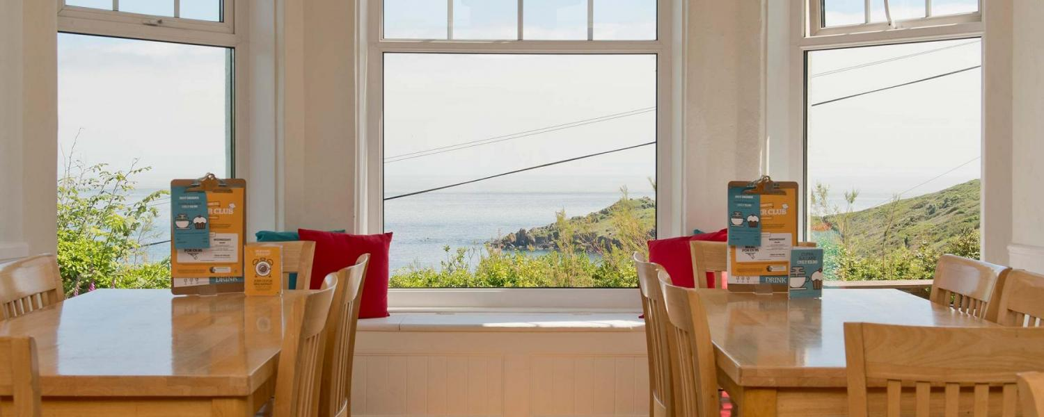 YHA Coverack dining room
