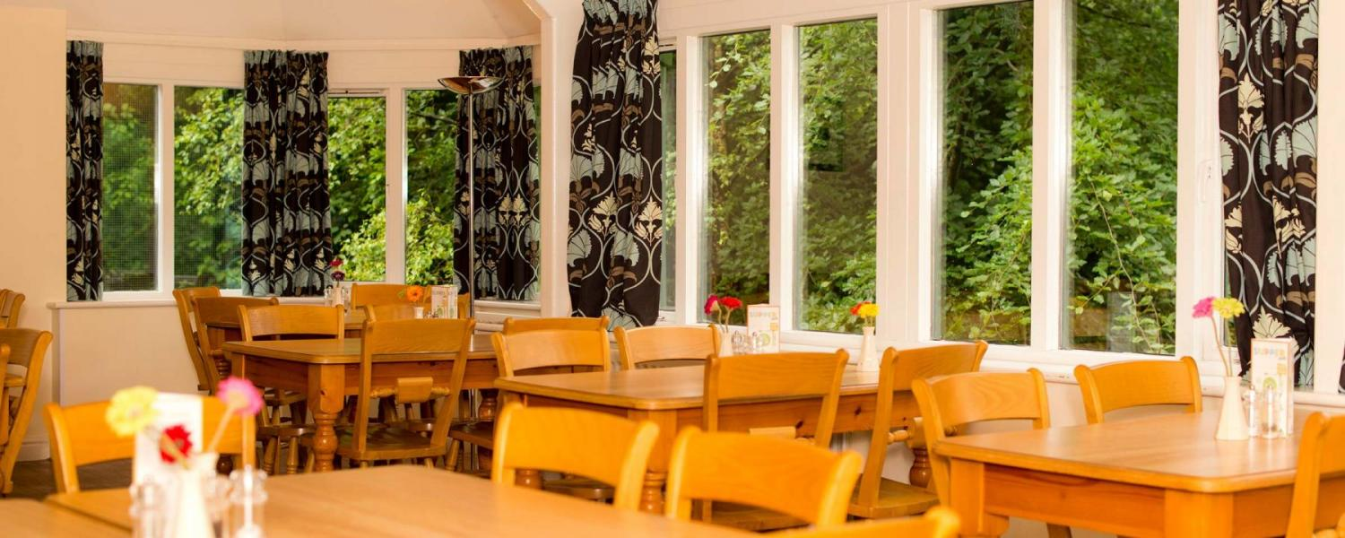 YHA Grasmere dining room