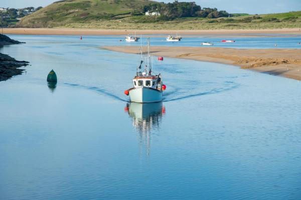 Fishing boat approaching Padstow