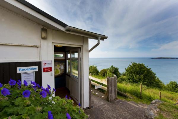 YHA Poppit Sands Entrance