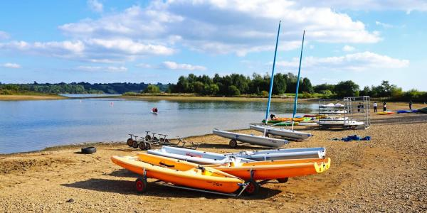 Carsington Water, with sail boats and other boats on shore