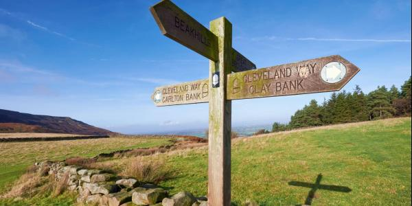 Cleveland Way sign post