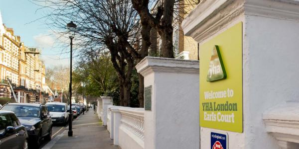 YHA London Earl's Court Entrance